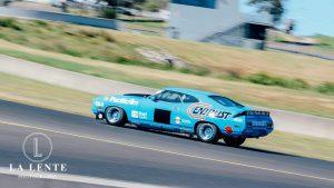 John-Goss-K-Tel-Falcon-XC-Touring-Car-photos-by-La-Lente-Photography-angle-profile-on-track.jpg
